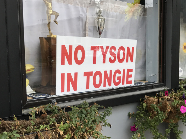 Tyson Foods puts plans for Tonganoxie chicken processing plant on hold