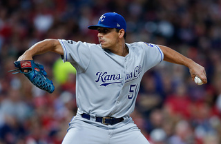Vargas returns to form, shuts down Blue Jays