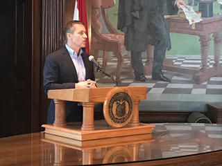 Judge doesn't drop charge against Greitens