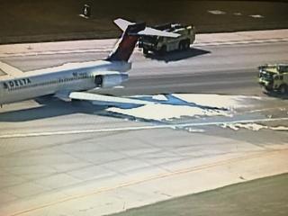 Delta flight lands at KCI after engine problem