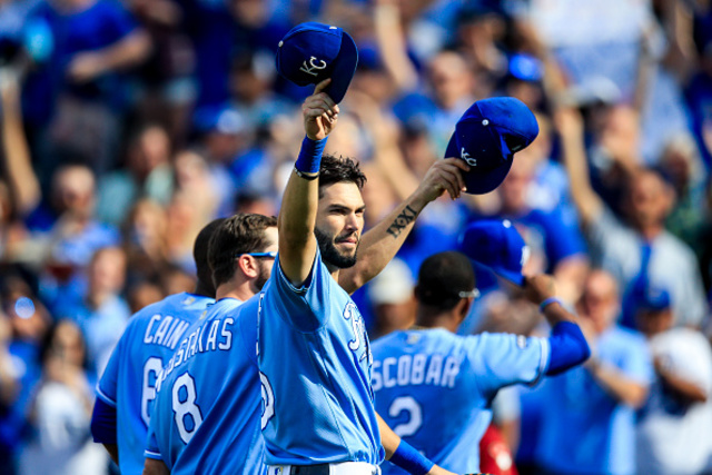 Eric Hosmer agrees to eight-year deal with Padres