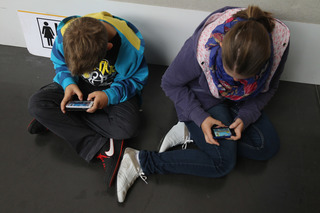 5 easy ways to keep your kids safe online