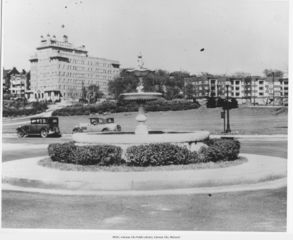 PHOTOS: A look back at the Country Club Plaza