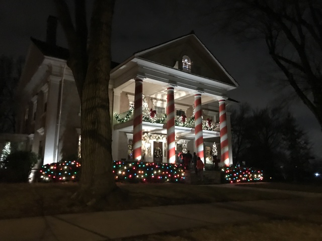 The Stevens House On Gladstone Boulevard In Kansas City Decorated For  Christmas.