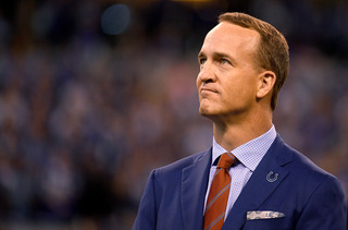 Manning to be awarded 10th Lamar Hunt Award