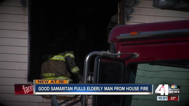 Good Samaritan pulls elderly man from house fire