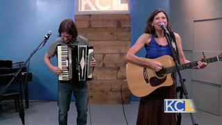 Mare Wakefield and Nomad perform on KCL
