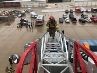 Program gives veterans firefighting experience