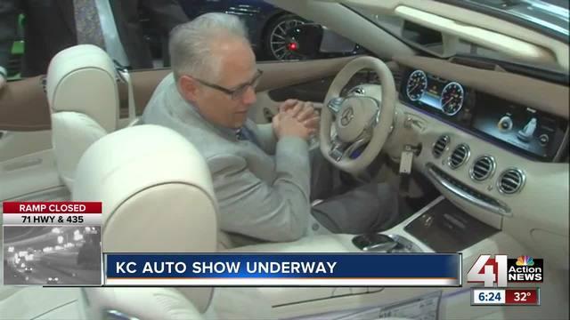 KC Auto Show Debuts New Models At Bartle Hall KSHBcom - Car show kc