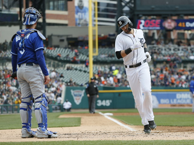 Tigers fall to Royals 8-5, settle for weekend split
