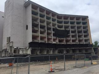 Abandoned NE KC hotel to be demolished Sunday