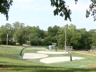 New basketball courts opening at Oak Park