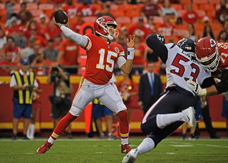 Montana to Mahomes: KC QBs spark Chiefs fans