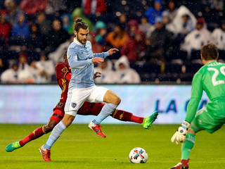 03f3e498005 Sporting KC signs 4 All-Stars to new deals