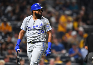 Pirates walk-off Royals for 2nd night in a row