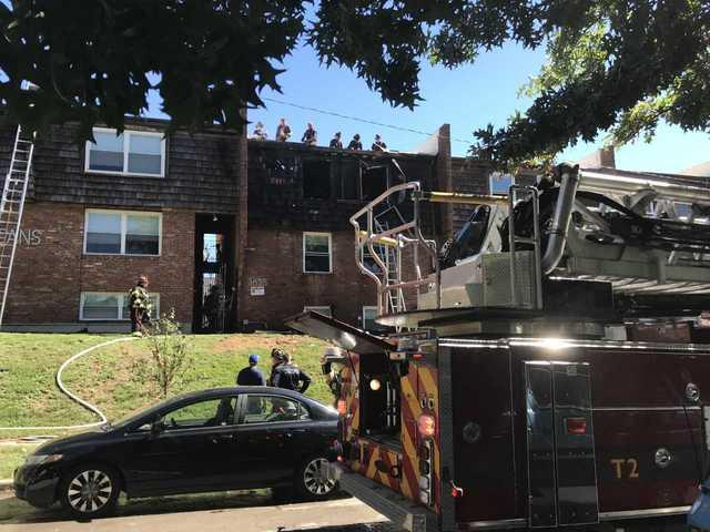 Good Samaritans help rescue woman from fire