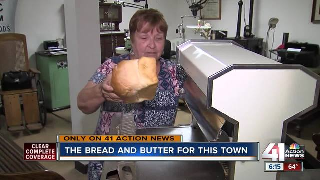 MO town was 1st to see -knead- for sliced bread